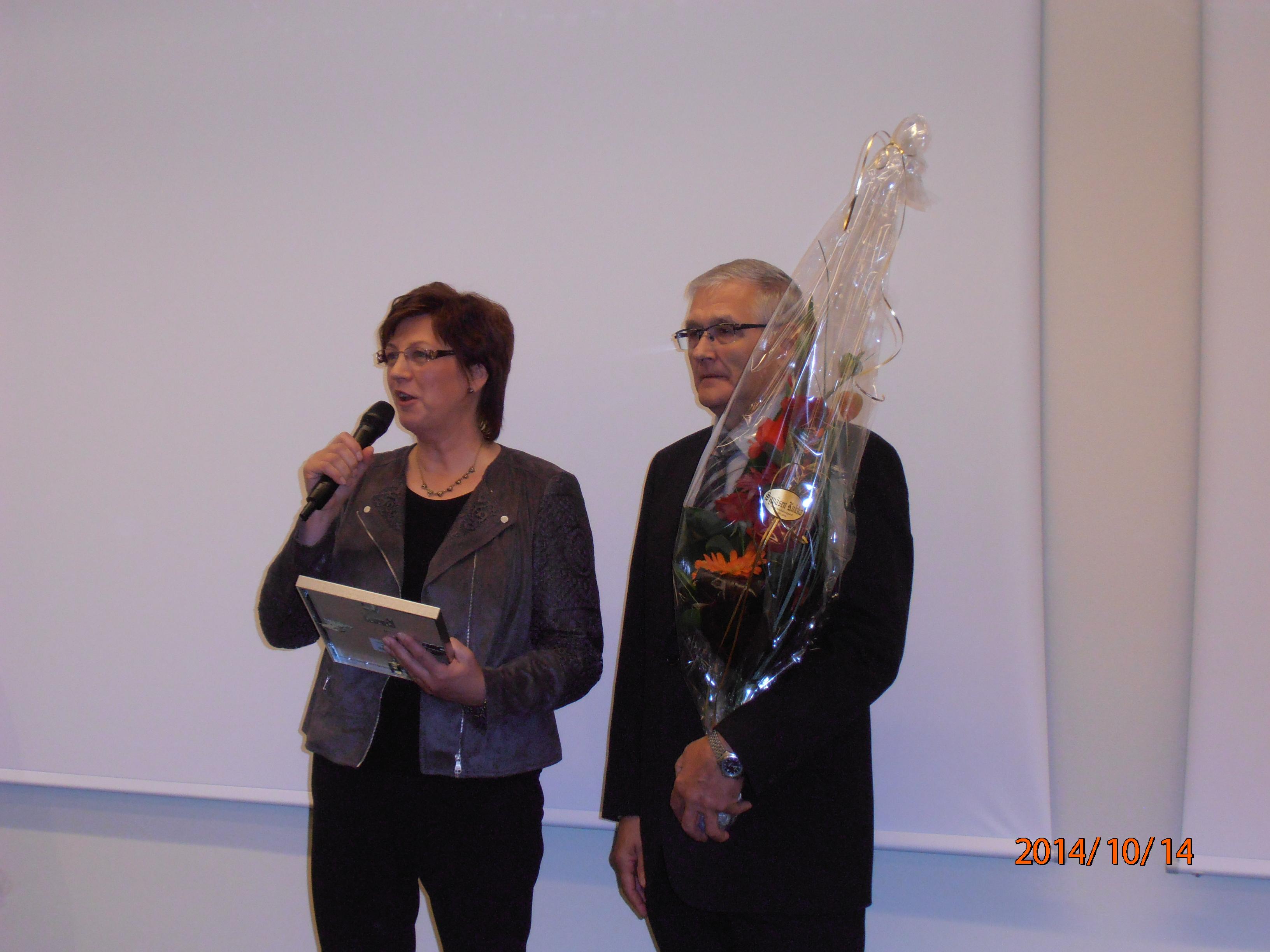 Palkinnon vastaanotti Arja Huovinen ja Eero Lammi.